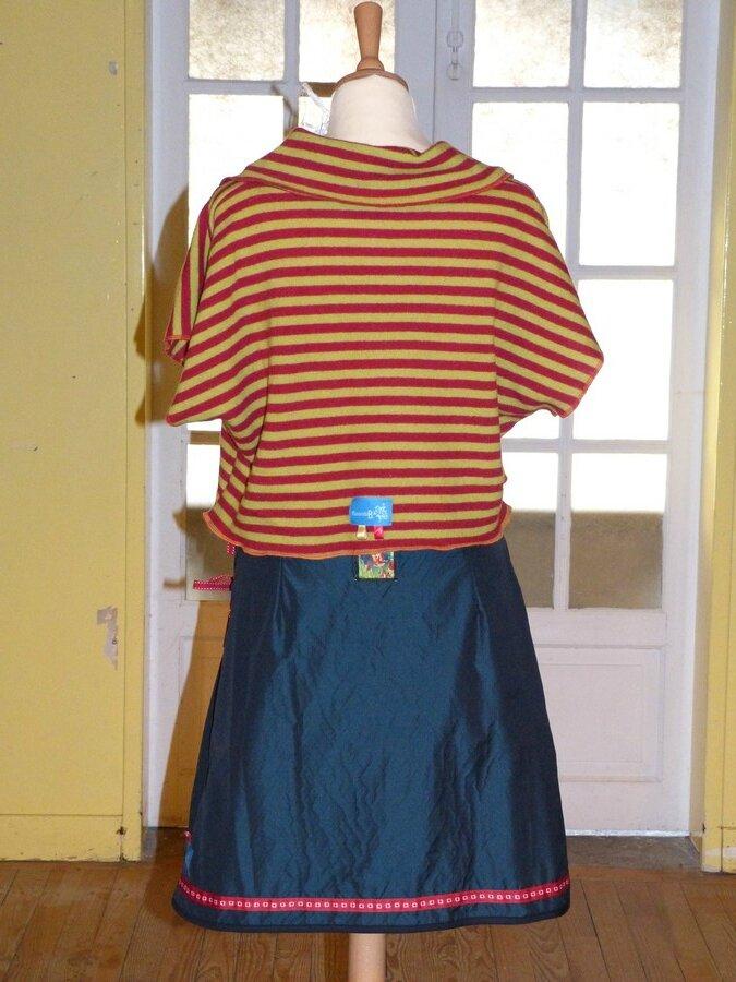 2015 adulte, ESPRIT DE FEE, Petit Chaperon rouge, tee-shirt sur jupe (2)