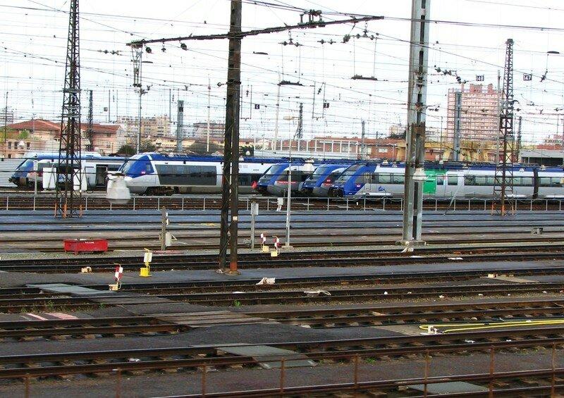 Dépôt de Toulouse, autorails X 72 500, X 73 500 & AGC