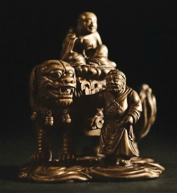 A superbly carved and extremely rare tianhuang dragon