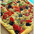 Foccacia aux poivrons rouges et olives noires