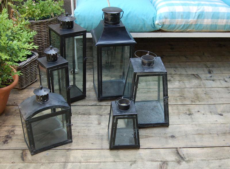 des lanternes en mtalversion noire - Lanterne De Jardin