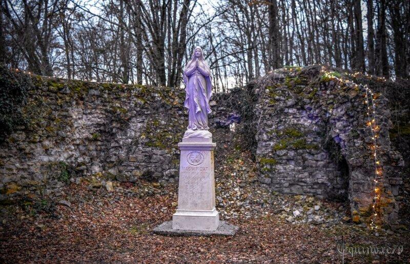 château des essarts statue vierge marie 14 18 Magnificat anima mea Dominum (1)