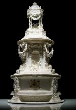2012_brides-05-p141-take-the-cake-princess-victoria-wedding-cake-replica-brides-magazine-640