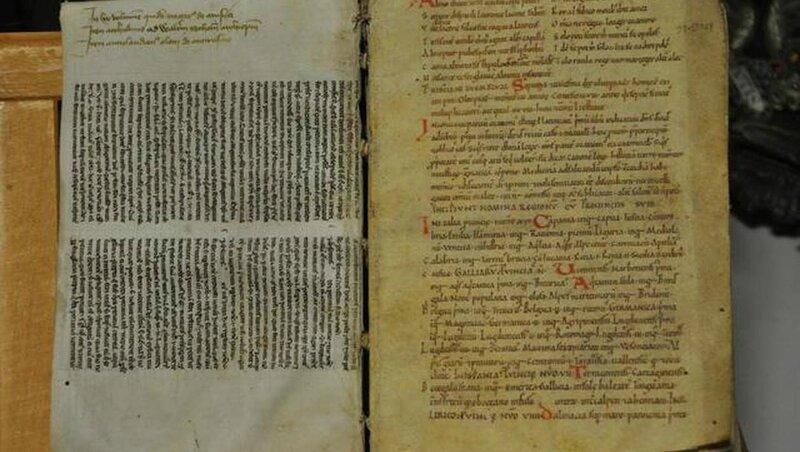 3fb072423fcb0d846bfff4f6d83c3840-alencon-un-manuscrit-du-mont-saint-michel-du-xie-siecle-vendre