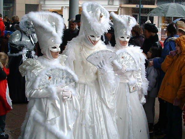Carnaval Vénitien d'Annecy organisé par ARIA Association Rencontres Italie-Annecy (87)