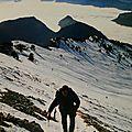 Excursion pédestre hivernale sur la célèbre et plus haute montagne du massif de la chartreuse : chamechaude (isere)