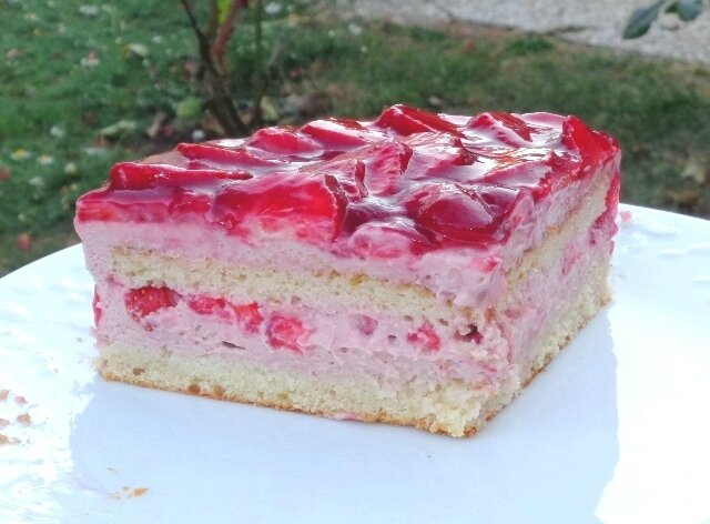 Part gâteau framboise fraise