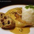 Poule faisane ( ou pintade ) farcie sauce aux raisins secs et à l'armagnac