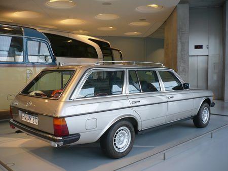 MERCEDES 300 TD W123 break 1985 Stuttgart (2)
