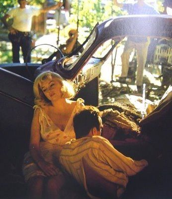 Marilyn_monroe__montgomery_clift__on_set_of_the_misfits__nevada_1961__eve_arnold_