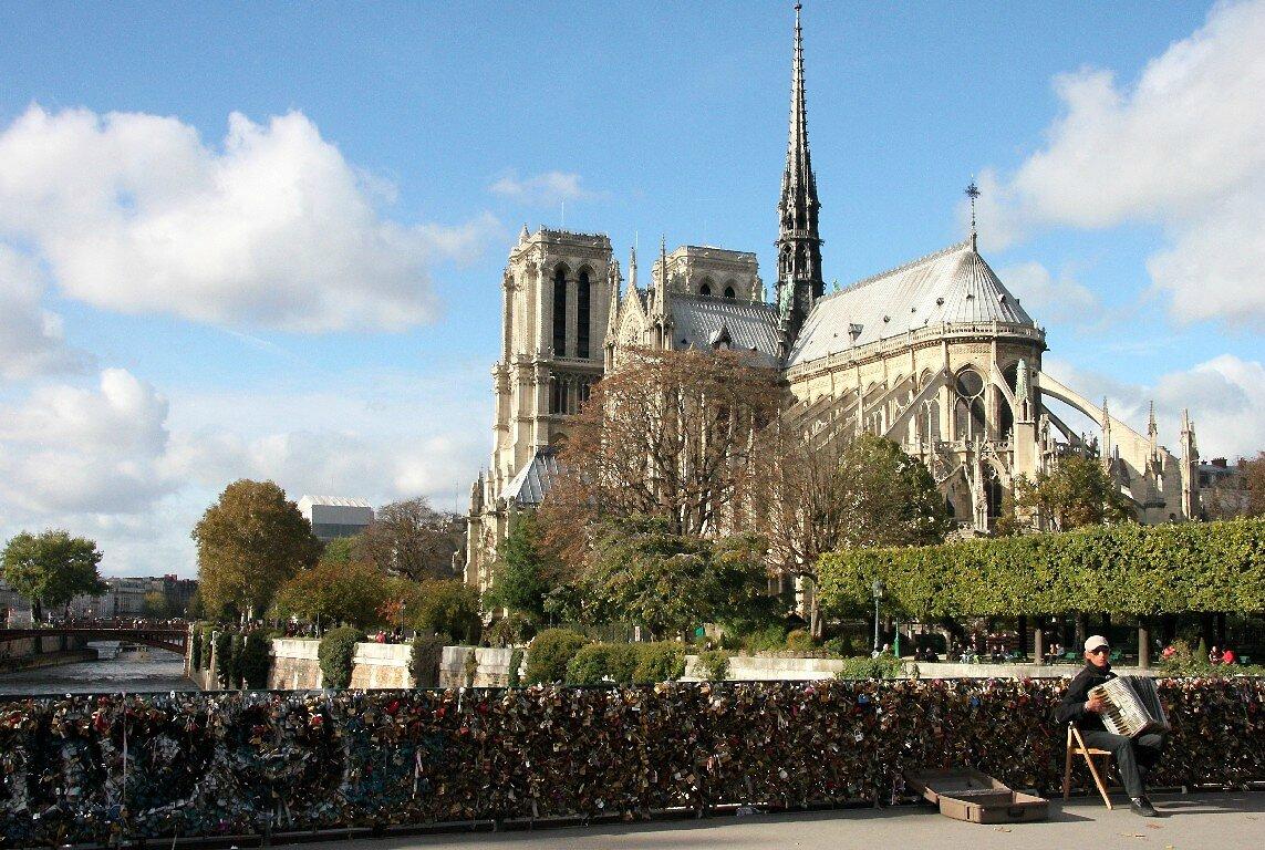 Cadenas, Notre-Dame, Musicien_2805
