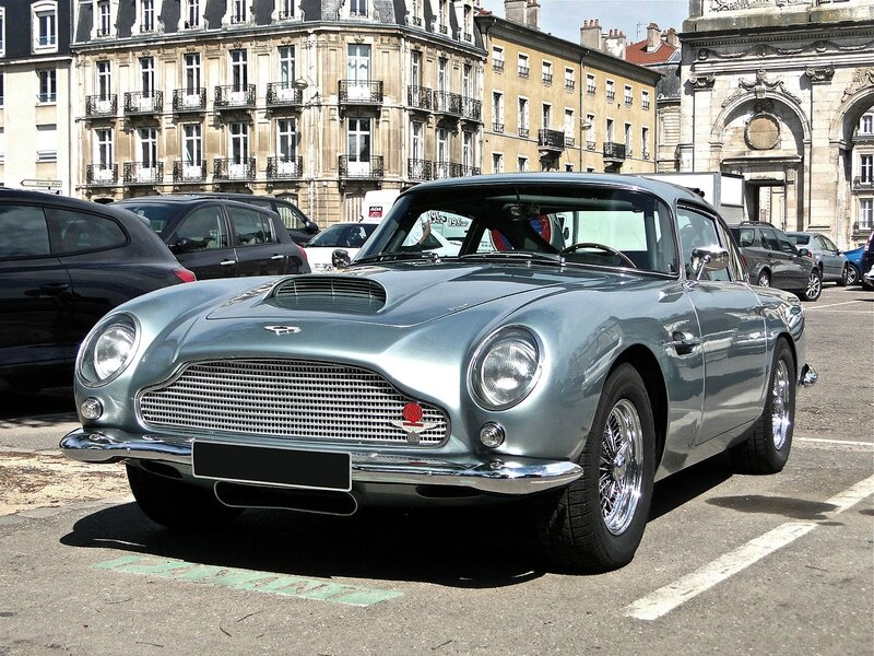 1280px-Aston_Martin_DB5