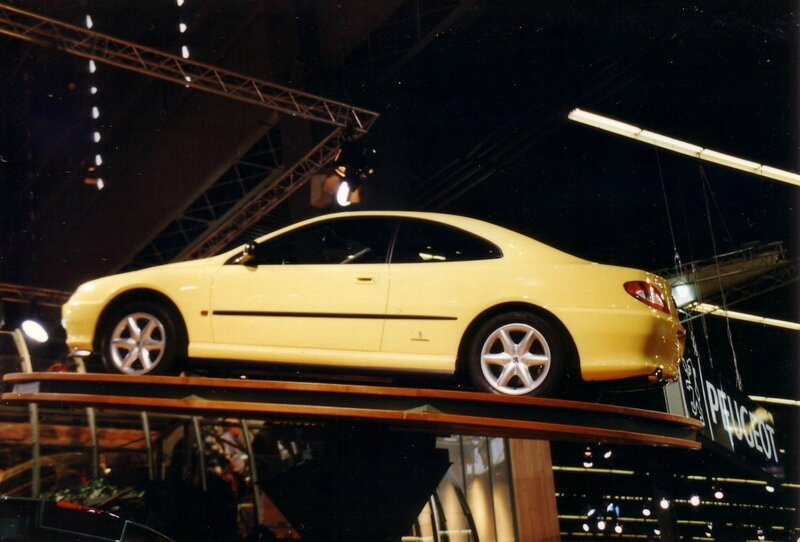 Coupé_406_au_Salon_de_L'Automobile_de_Paris_1996