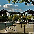 Dans l'enceinte du parc Georges Brassens.