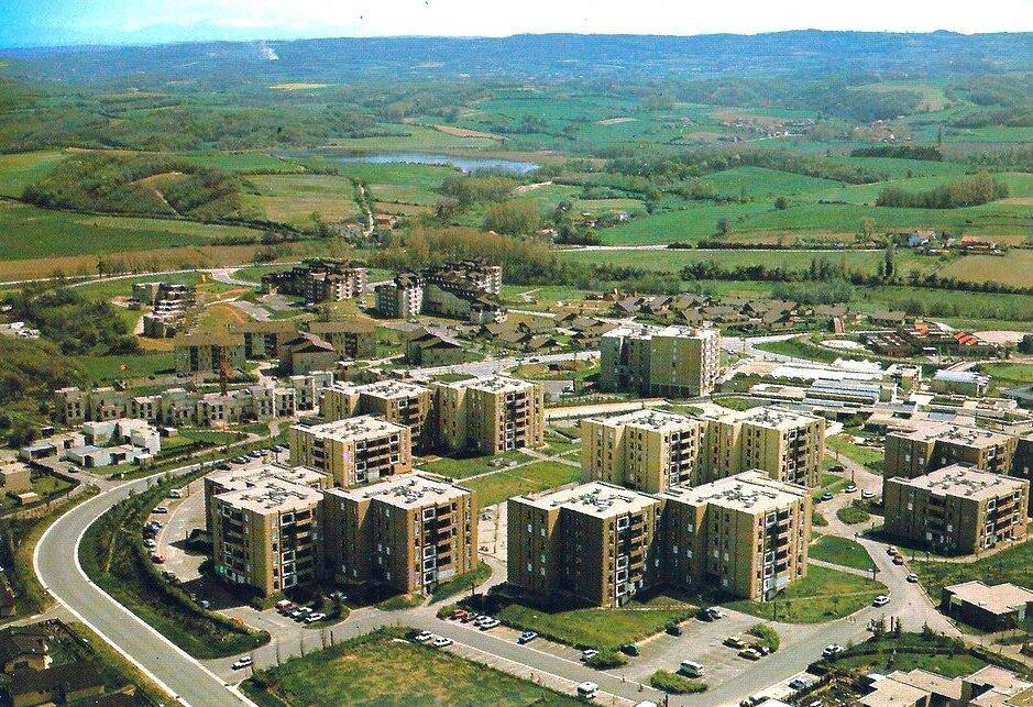 Villefontaine (Isère), Ville nouvelle de l'Isle d'Abeau, le quartier des Roches