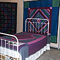 11-Quilts Amish