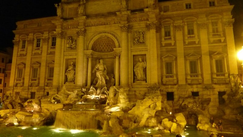 Fontaine de Trevi by night (4)