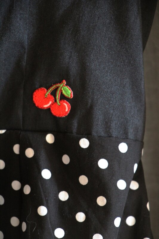 June rockabilly - detail cerise - je t aime mon loup