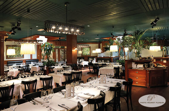 LES_GRANDS_BUFFETS_Salle_du_restaurant_
