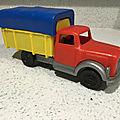 00874 camion bache marque tudor rose