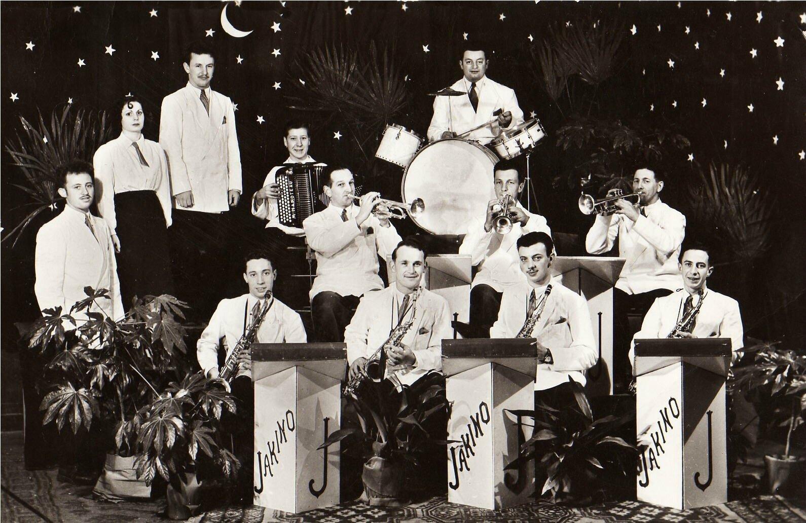 Orchestre JAKINO et ses 10 musiciens Tel 105-32 Rue Delval