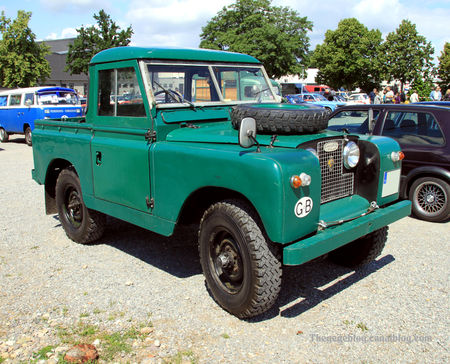 Land_rover_serie_II_pick_up__1958_1969__RegioMotoclassica_2010__01