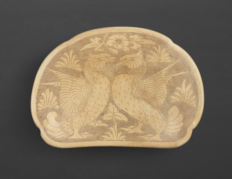 A Cizhou incised 'Bird' pillow, Northern Song – Jin dynasty (960-1234)