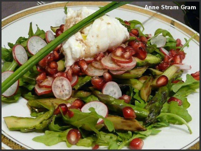 Salade printanière asperge grenade burrata