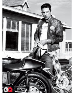 GQ_March_2011_photoshoot_channing_tatum_30618658_409_516