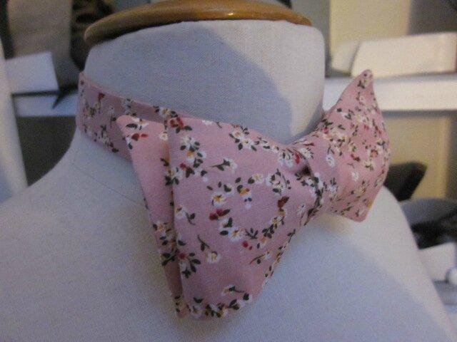 Véritable NOEUD PAPillon en coton rose fleuri (3)