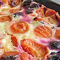 Clafoutis aux fruits de saison, aujourd'hui c'est cerise-abricot