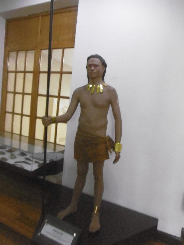 Bogota -indien avec parure en or