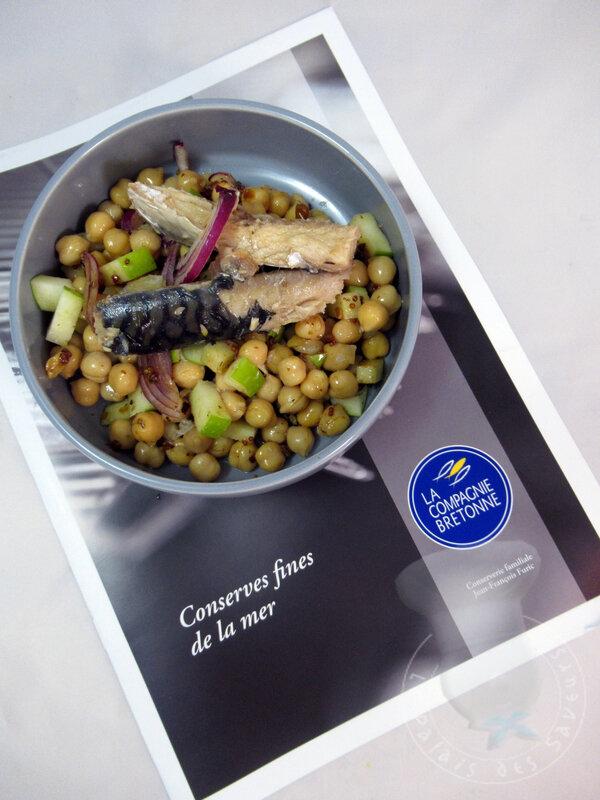 Salade de filets de maquereaux marinés, pois chiches et pommes