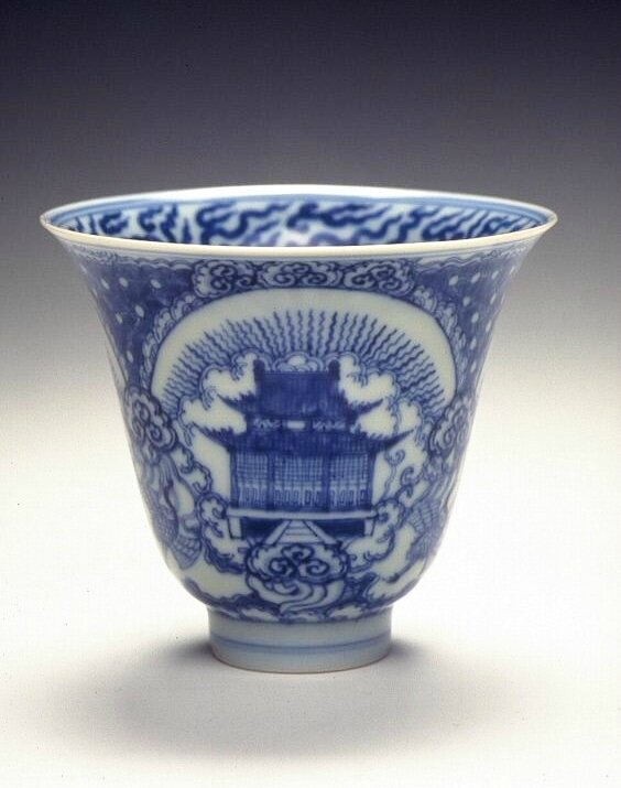 Cup with a scene of Taoist temples, Ming dynasty (1368-1644), Reign of the Jiajing emperor (1522-1566)