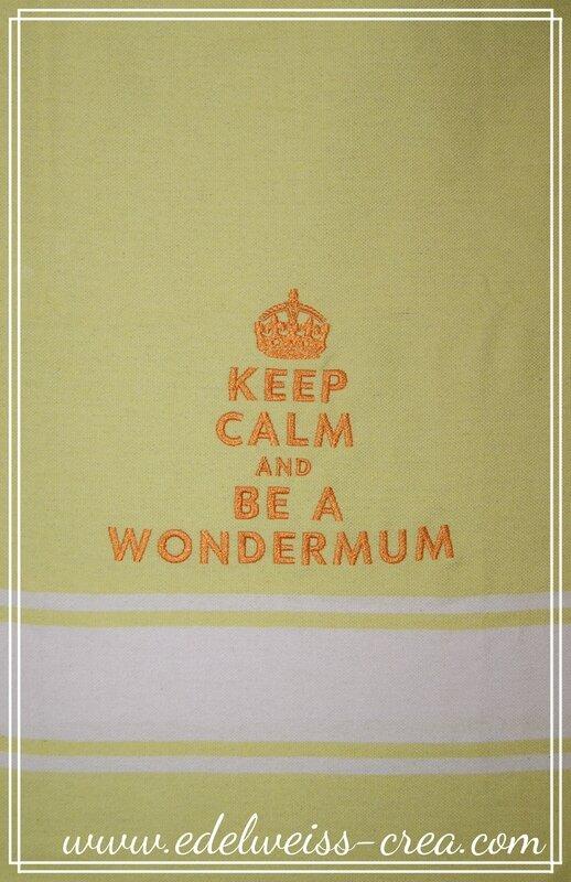 Fouta brodée - Keep calm and be a wondermum - Cadeau de naissance pour maman