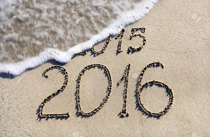 24917288-Bonne-Ann-e-2016-remplace-2015-le-concept-sur-la-plage-de-la-mer-Banque-d'images