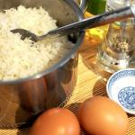 Fried eggs rice5
