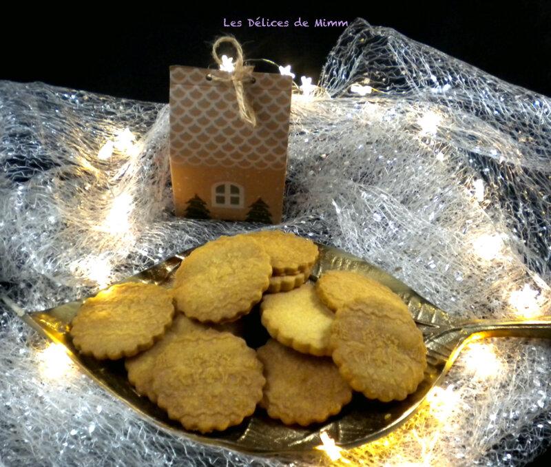Biscuits de Noël avec un rouleau à motif 3