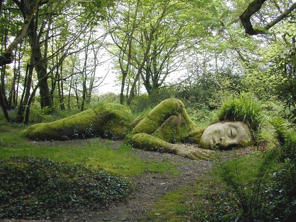 sleeping-goddess-heligan