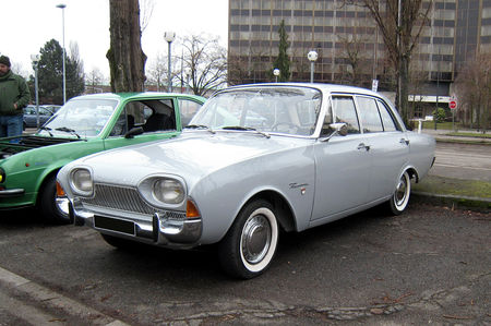 Ford_taunus_17M_super_P3__Retrorencard__01