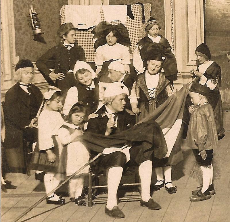 1912 05 09 Belfort CPhoto Vente chaité au Théâtre RG