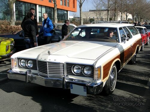 ford-ltd-country-squire-1974-1