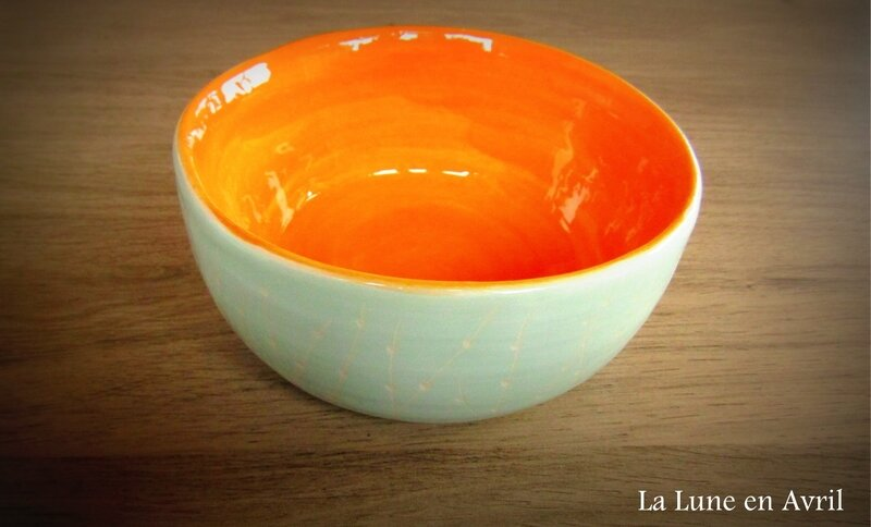 bol orange et vert d'eau
