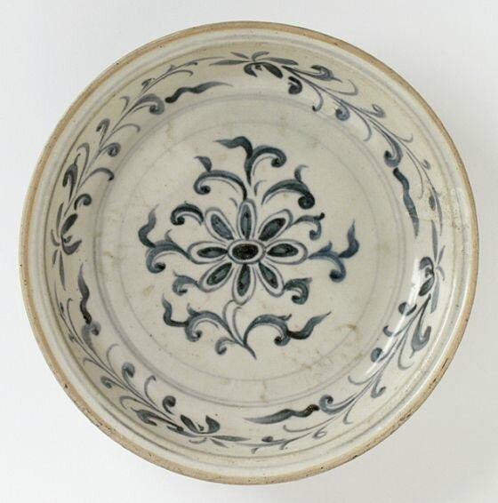 Plate, Vietnam, 15th-16th century