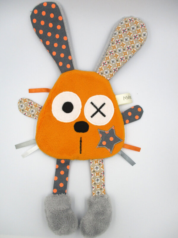 lapin_plat_gris_clair_orange__2_