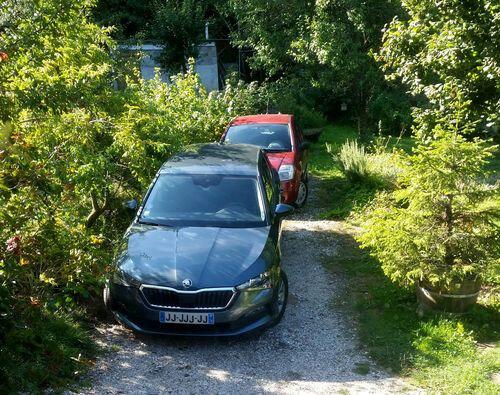 081419_car2