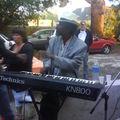 Manu au clavier pour la fête de la musique
