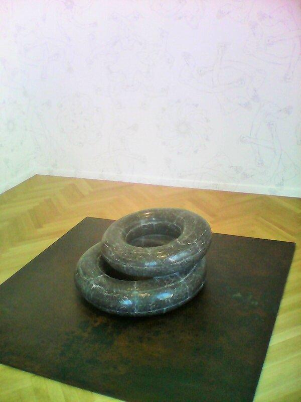 sculpture s bouees en marbre