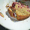 Saga des fruits rouges, part 2. le cake qui a voulu concurrencer la galette.