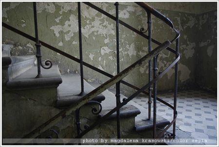 schody b